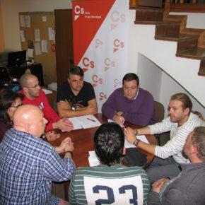 Ciudadanos muestra su apoyo a los trabajadores de ANS Coop ante la precarización de su situación laboral