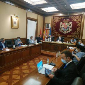 Reivindicaciones sobre el transporte por carretera y por ferrocarril y las políticas de empleo, en el Pleno de junio de la Diputación de Ávila